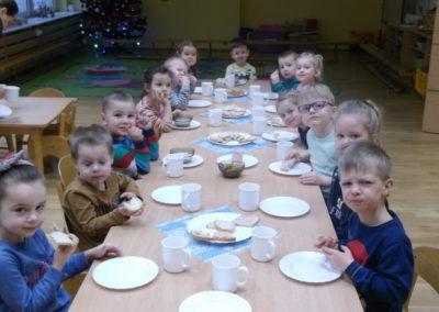 Śniadanie i  II śniadanie  u Tęczowych Skrzatów-23.01.2020r.